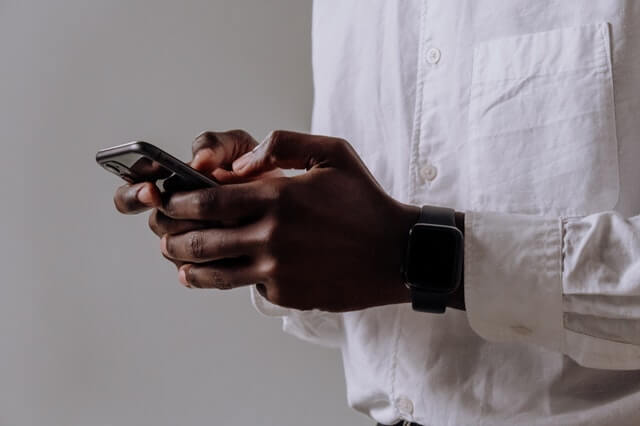 Style with the Apple Watch Series 6 44mm Band (2)